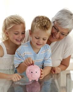 Empfehlung: Das richtige Sparkonto für hohe Zinsen wählen und früh mit Sparen beginnen!